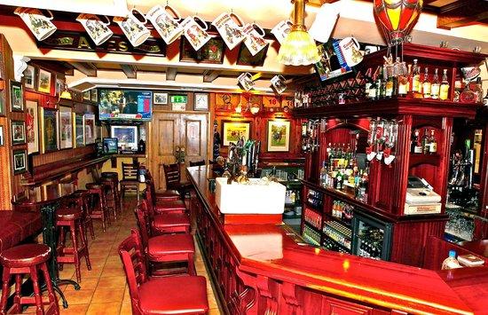 McSweeney Arms Hotel: Sandtrap Bar