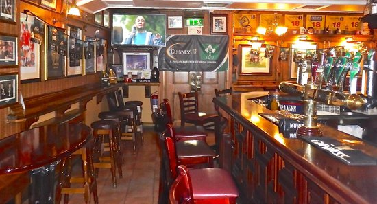McSweeney Arms Hotel : Sandtrap Sports Bar