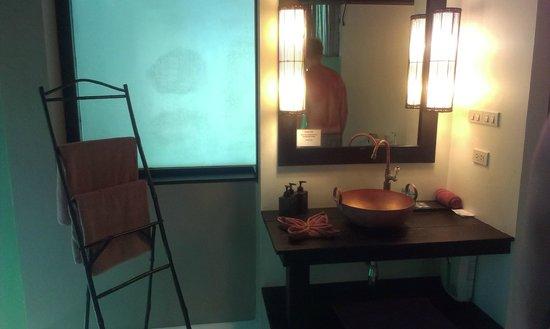The Sevenseas Resort: bathroom