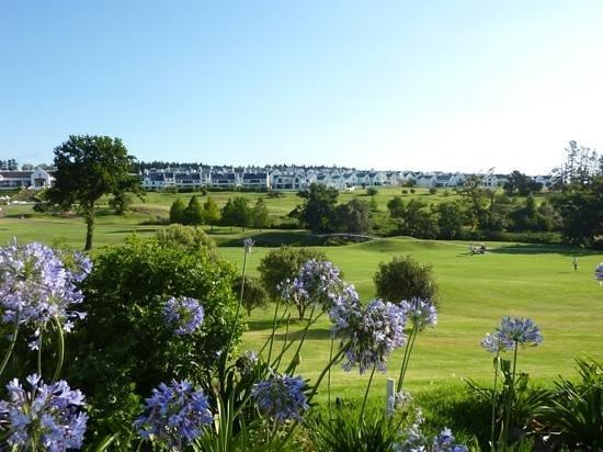 Winelands Golf Lodges : secured estate