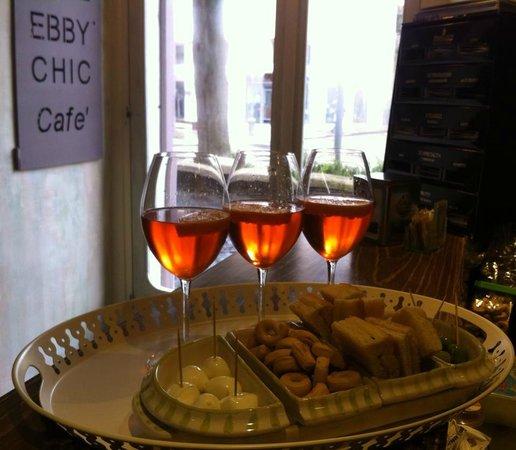 Ebby Chic Cafe: un ottimo modo per concludere una giornata lavorativa