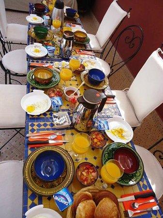 Riad Darija : Le petit déjeuner du Riad Dar Khadouj