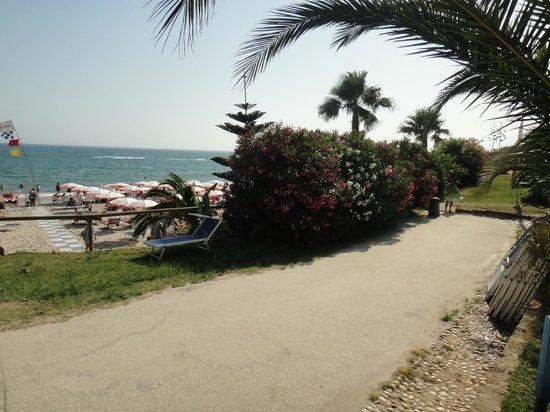 Club Marmara Cala Regina : chemin d'accès à la plage