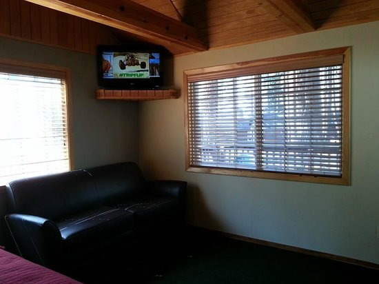 Zephyr Cove Resort: cable and wi-fi