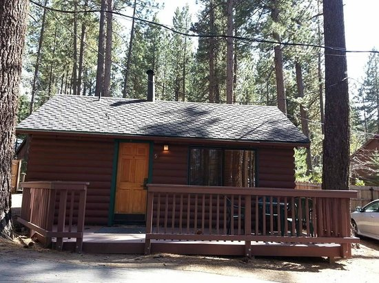 Zephyr Cove Resort: outside of our studio cabin