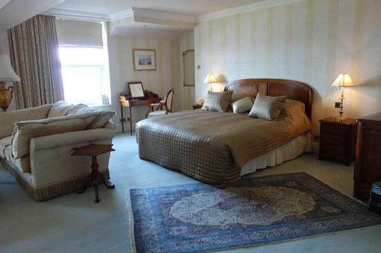 Regency Hotel: Room 403