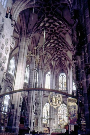 St. Lorenz Church (St. Lorenz Kirche): interno