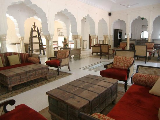 Samode Bagh: View of one of the lounges