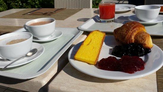 Villa Rosa Hotel: Colazione abbondante e variegata