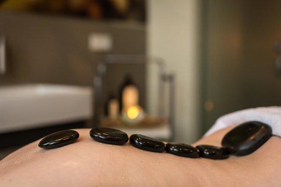 Schloss-Hotel Petry: Hot Stone Massagen