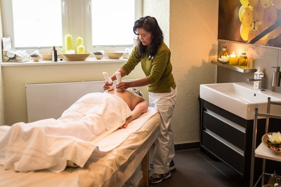 Schloss-Hotel Petry: Massagen in der Belle Etage