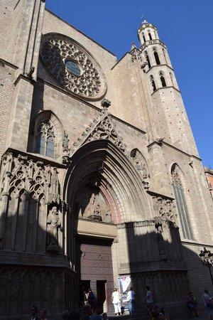 The Basilica of Santa Maria del Mar: Iglesia de Santa María del Mar