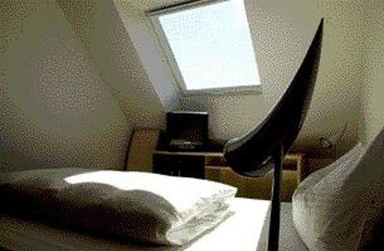 Arthotel Binders: Budget or Deluxe rooms