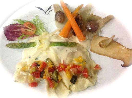 Alsace a Table: ravioles aux poivrons doux et chêvre, sauce pecorino a la truffe