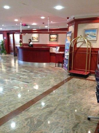 Catez Hotel: reception