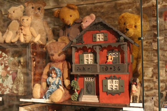 The Doll and Teddy Bear Museum