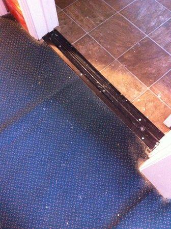 Budget Inn Motel: Room floor