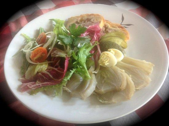 Alsace a Table: paté en croute mariné au vin blanc, salade organique, fenouil