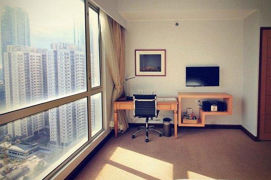 The Linden Suites : Room + view