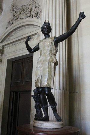 Louvre Museum: louvre5