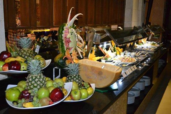 Royalton Punta Cana Resort & Casino: Buffet Food - Lovely and awesome choice