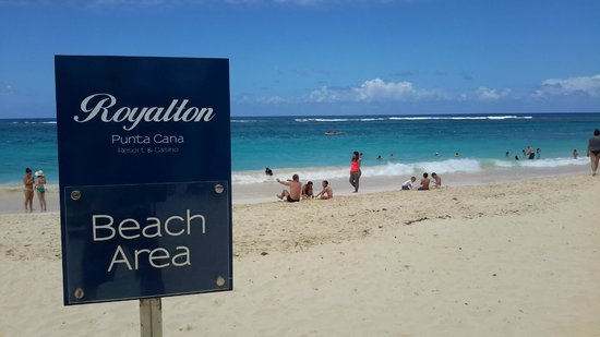 Royalton Punta Cana Resort & Casino: Da Beach!!