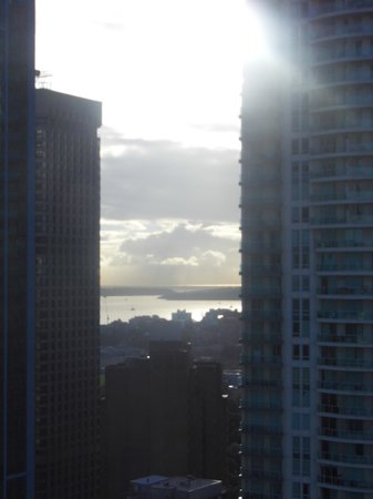 Meriton Serviced Apartments Kent Street: Harbour view