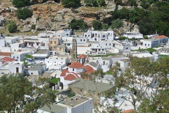 Lindos : le village depuis la montée à l'acropole