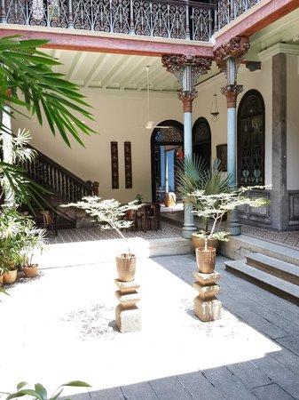 Cheong Fatt Tze - The Blue Mansion: Central Atrium