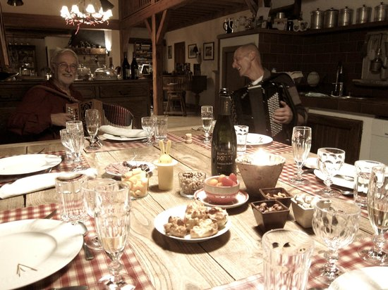 Le Pré Oudot : Family Dinner