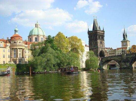 Avantgarde Prague Tours: Prague depuis la Vltava