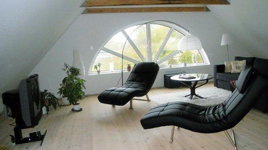 Stor stue med udsigt over fjorden   billede af klovbakken v ...