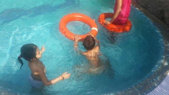 Tiger Valley Resort: Baccha party in swimming pool