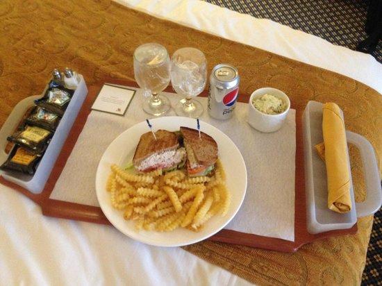 Houston Marriott Westchase : Room Service-Tuna Sandwhich