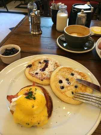 Rosewood London: Breakfast at the Holborn! Yumm!