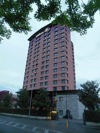 Hilton Florence Metropole: Hotel Exterior