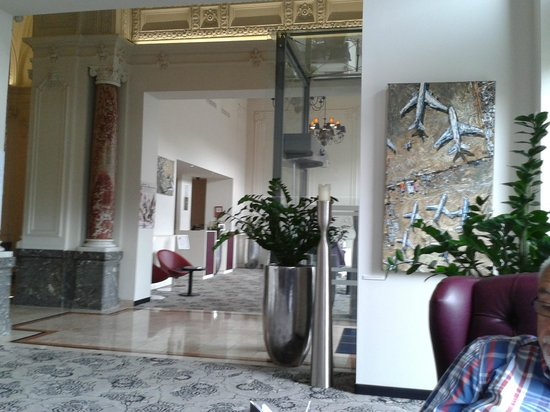 Hotel Nemzeti Budapest - MGallery by Sofitel: We fell in love with the understated modern decor that suited to older building perfectly
