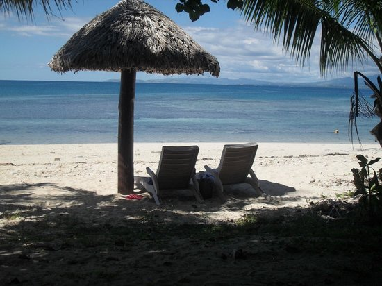 Treasure Island Resort : Beach chairs - no mats :-(