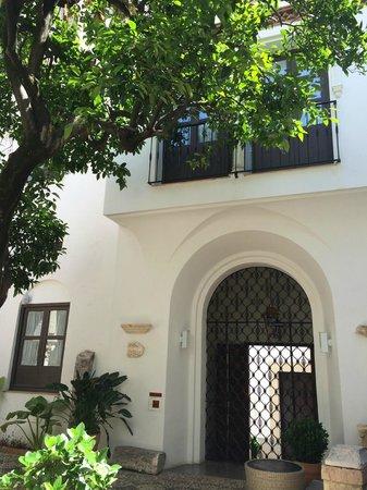 Balcon de Cordoba: Inner Courtyard