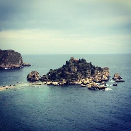 Isola Bella: very beautiful from a distance