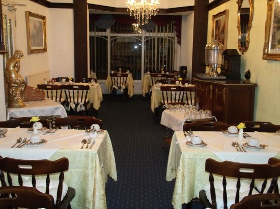 Falklands Hotel : Spacious dinning area