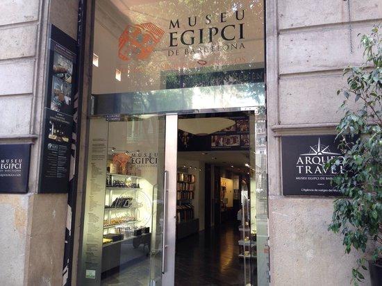 Barcelona Egyptian Museum : Entrada