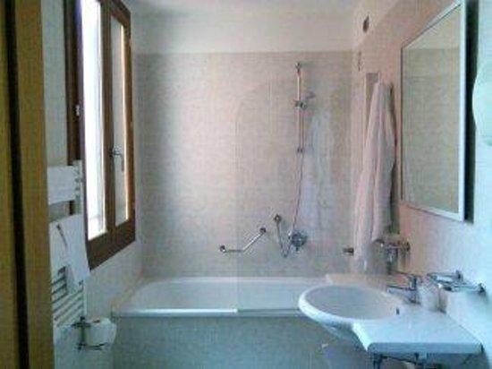 Dolomiti Hotel : bagno