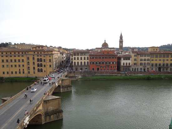 Antica Torre di Via Tornabuoni: View across river from room