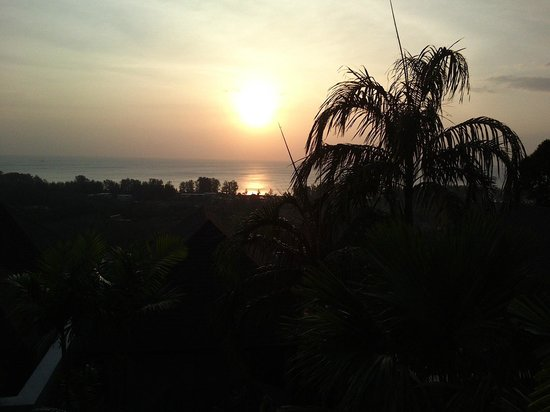 360 ̊ Bar: sunset