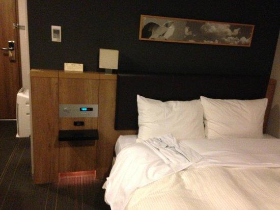 Hakata Green Hotel Annex: Bed