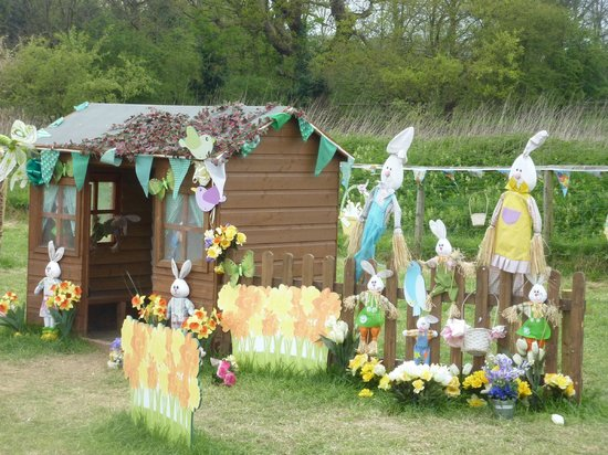 Willows Activity Farm: Easter Egg Hunt