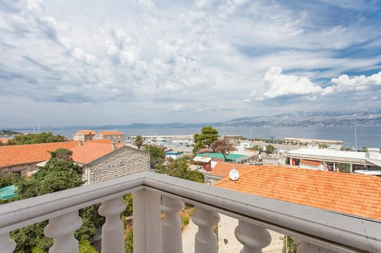 Hotel Villa Supetar : A view from the room balcony