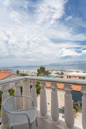Hotel Villa Supetar: A view from the room balcony