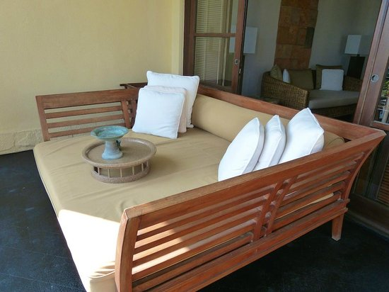 The Legian Bali: Day bed on balcony